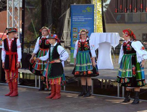Das deutsch-polnische Folklore- und Erntedankfest 2016 auf dem Landhof Liepe